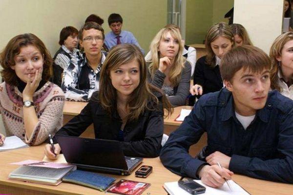Как найти работу студенту дневного отделения?